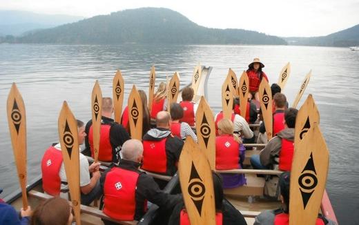 Takaya-tours-paddles