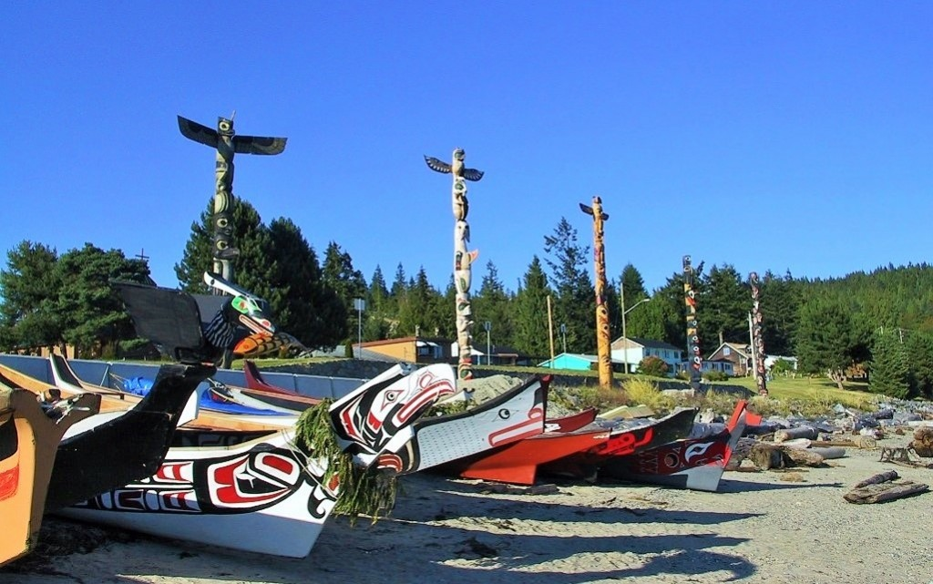canoes & totems