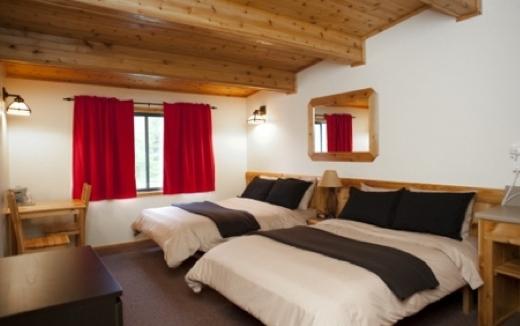 haida_house_Room