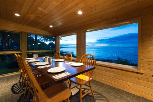 Cluxewe-Resort-Dining-Room