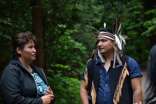talaysay-tours-candace-campo-stanley-park-500x333