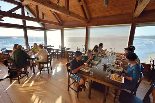 Kwisitis-Feast-House-Internal-View