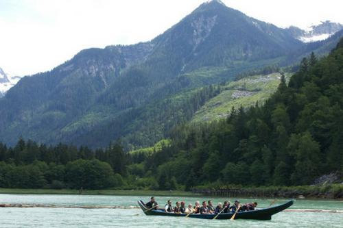 Homalco_Canoe